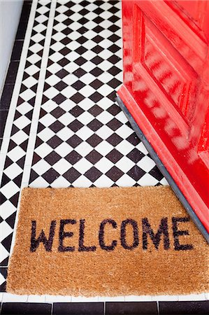 Welcome mat Stock Photo - Premium Royalty-Free, Code: 614-06442521