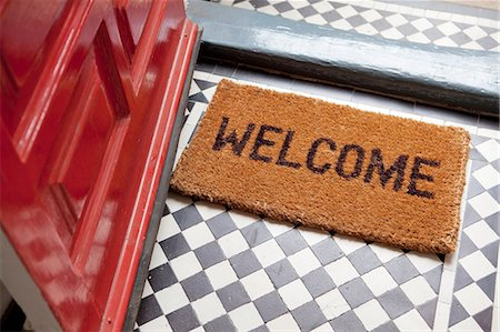 red - Welcome mat Stock Photo - Premium Royalty-Free, Code: 614-06442568