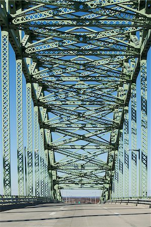estructura - Steel structure of bridge Foto de stock - Sin royalties Premium, Código: 614-06624675
