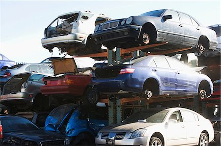 Cars sitting in junkyard Stock Photo - Premium Royalty-Free, Code: 614-06624734