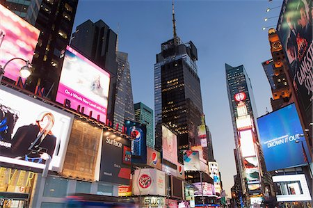Illuminated billboards in Times Square Stock Photo - Premium Royalty-Free, Code: 614-06719013