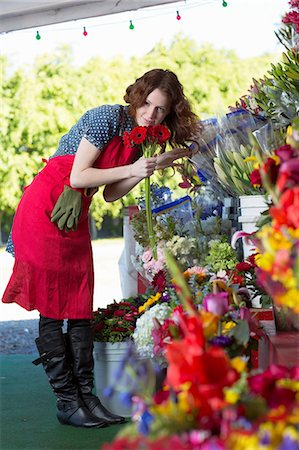 Florist working in shop Stock Photo - Premium Royalty-Free, Code: 614-06719194