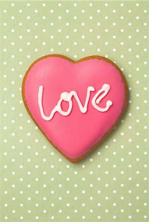 Decorated heart shaped cookie Stock Photo - Premium Royalty-Free, Code: 614-06719350
