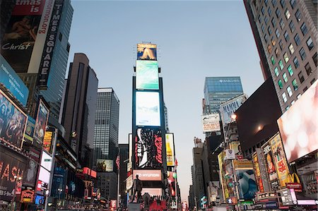 Illuminated billboards in Times Square Stock Photo - Premium Royalty-Free, Code: 614-06719490