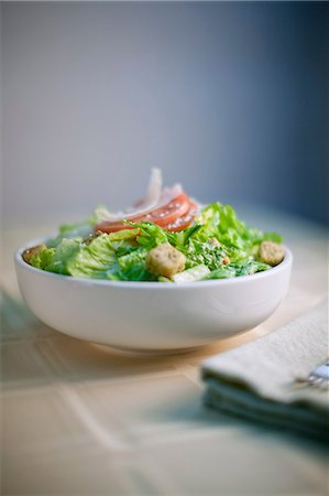 salad - Bowl of salad on table Stock Photo - Premium Royalty-Free, Code: 614-06720023