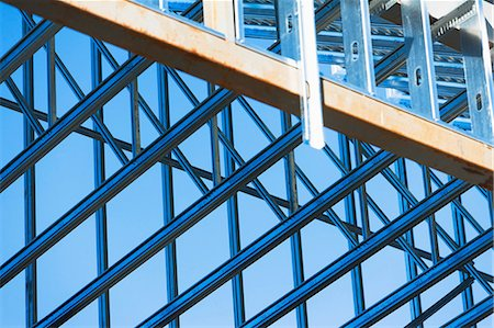 edificio - Close up of steel girders on construction frame Foto de stock - Sin royalties Premium, Código: 614-06974137