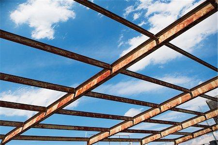 rectangle - Open rusting roof framework Stock Photo - Premium Royalty-Free, Code: 614-06974221