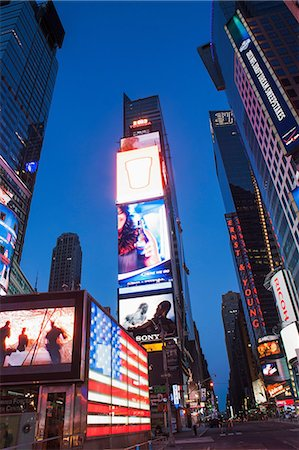 Illuminated signs Times Square, New York, USA Photographie de stock - Premium Libres de Droits, Code: 614-06974254