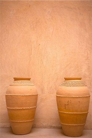 Terracotta pots in Jabrin Castle, Oman Stock Photo - Premium Royalty-Free, Code: 614-06974578