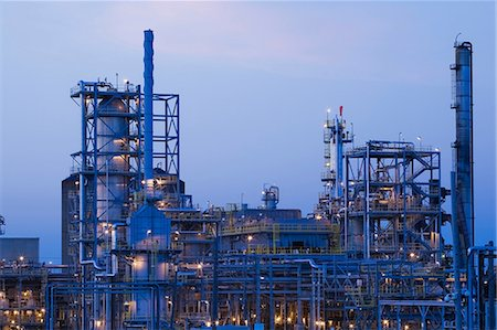Oil and gas refinery, Montreal, Quebec, Canada Stock Photo - Premium Royalty-Free, Code: 614-07031788
