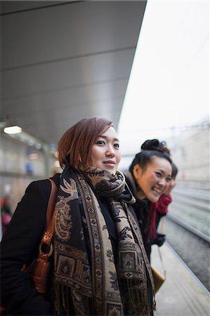 platform - Young women waiting for train Stock Photo - Premium Royalty-Free, Code: 614-07146521