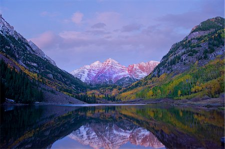 Maroon Bells, Maroon Lake, Aspen, Colorado, United States of America Stock Photo - Premium Royalty-Free, Code: 614-07234945