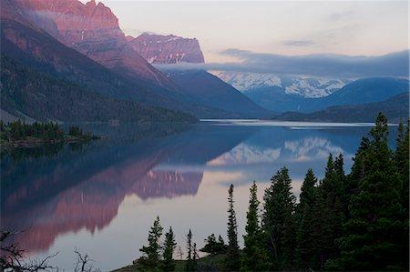 St Mary Lake, Glacier National Park, Montana, USA Stock Photo - Premium Royalty-Free, Code: 614-07239915