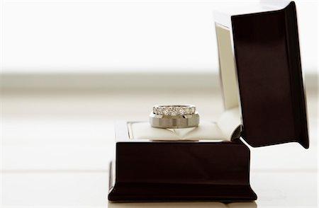 diamond - Wedding ring in box Stock Photo - Premium Royalty-Free, Code: 614-07443942