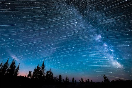 space - Milky way, hour-long time exposure, Osoyoos, British Columbia, Canada Stock Photo - Premium Royalty-Free, Code: 614-07487156