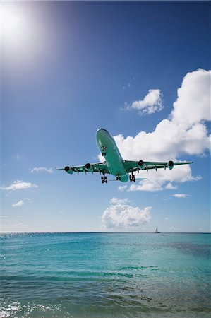 Plane landing, Mullet Bay, St Maarten Island, Netherlands Stock Photo - Premium Royalty-Free, Code: 614-07652200