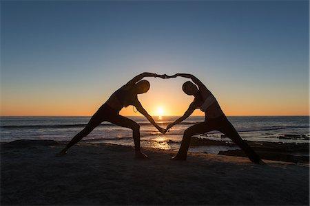 Heart shape pose, Windansea beach, La Jolla, California Stock Photo - Premium Royalty-Free, Code: 614-07806130