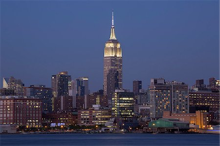 Night view of Empire State Building from the Hoboken Waterfront, New York, USA Stock Photo - Premium Royalty-Free, Code: 614-08030547