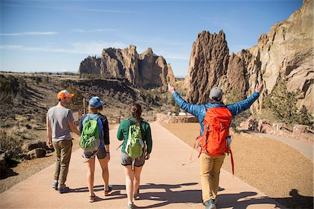 Backpackers on vacation, Smith Rock State Park, Oregon Stock Photo - Premium Royalty-Free, Code: 614-08120063