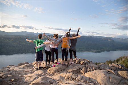 Friends enjoying view on hill, Angel's Rest, Columbia River Gorge, Oregon, USA Stock Photo - Premium Royalty-Free, Code: 614-08270139