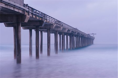 southern california - Pier over misty water, San Diego, California, USA Stock Photo - Premium Royalty-Free, Code: 614-08487777