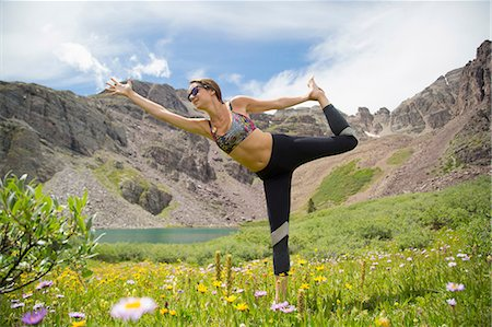 practise - Woman practising yoga on meadow, Cathedral Lake, Aspen, Colorado Stock Photo - Premium Royalty-Free, Code: 614-08544783