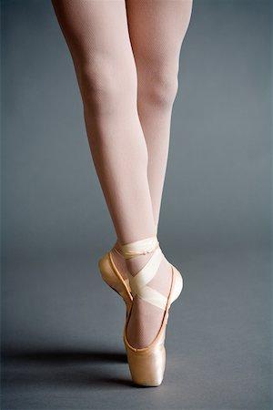 Ballerina Stock Photo - Premium Royalty-Free, Code: 614-01561212