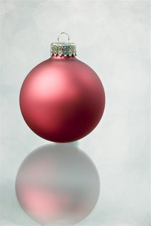 Christmas bauble Stock Photo - Premium Royalty-Free, Code: 614-02259710