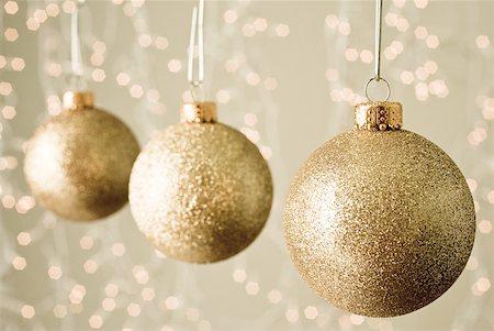 Christmas baubles Stock Photo - Premium Royalty-Free, Code: 614-02259721