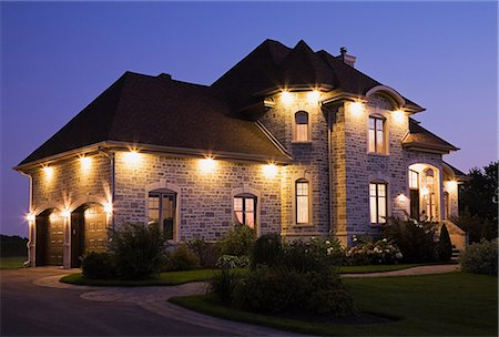 Large house with lights Stock Photo - Premium Royalty-Free, Code: 614-03359416