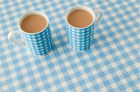Two cups of tea Stock Photo - Premium Royalty-Free, Code: 614-03359963