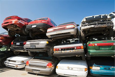 Cars at scrap yard Stock Photo - Premium Royalty-Free, Code: 614-03420288