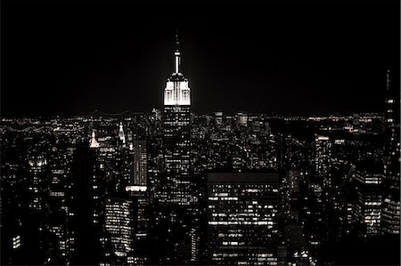 Empire state building and cityscape at night Stock Photo - Premium Royalty-Free, Code: 614-03455110