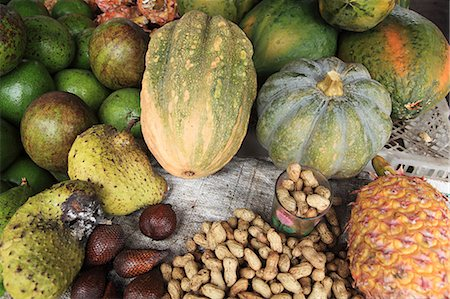 flores - Indonesian fruit, vegetables and nuts Stock Photo - Premium Royalty-Free, Code: 614-03576945