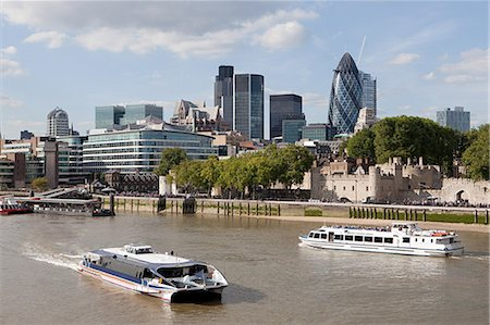 River Thames, City and Tower of London Stock Photo - Premium Royalty-Free, Code: 614-03684681