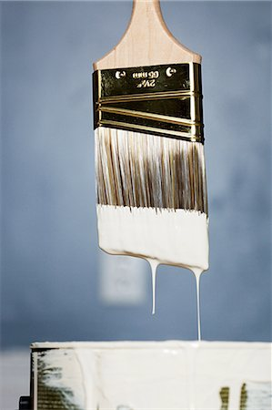 paint drips - Paintbrush with white paint dripping Stock Photo - Premium Royalty-Free, Code: 614-03747688