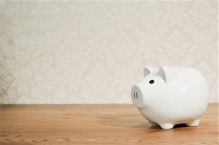 White piggy bank Stock Photo - Premium Royalty-Free, Code: 614-03903080