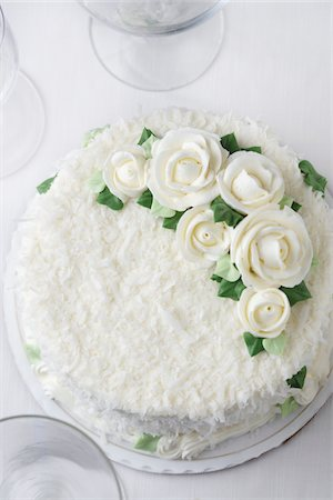 rose patterns - Coconut Cake Stock Photo - Premium Royalty-Free, Code: 618-05450826