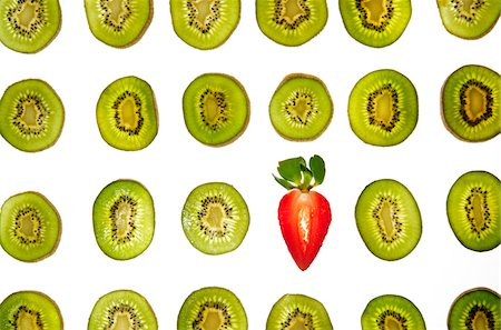 Kiwi and Strawberry Stock Photo - Premium Royalty-Free, Code: 618-06052273