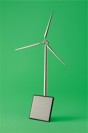 solar panel usa - Model wind turbine with a solar panel Stock Photo - Premium Royalty-Free, Code: 618-06052435