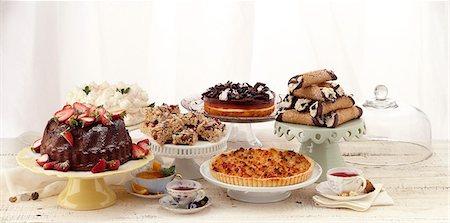 dessert - Dessert Spread Stock Photo - Premium Royalty-Free, Code: 618-06119125