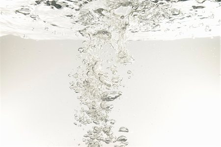 Bubbles underwater Stock Photo - Premium Royalty-Free, Code: 618-06318138