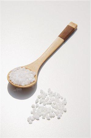 Sea salt used for natural body scrub Stock Photo - Premium Royalty-Free, Code: 618-06318360