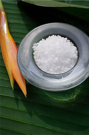 Sea salt for natural body scrub Stock Photo - Premium Royalty-Free, Code: 618-06318389