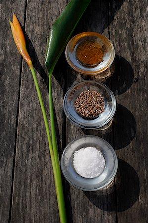 Ingredients for natural body scrubs and body treatments (seeds, sea salt, papaya) Stock Photo - Premium Royalty-Free, Code: 618-06318391