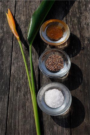 Ingredients for natural body scrubs and body treatments (seeds, sea salt, papaya) Stock Photo - Premium Royalty-Free, Code: 618-06318391