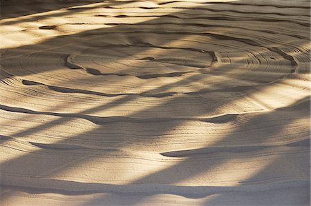 swirl - labyrinth made of sand Stock Photo - Premium Royalty-Free, Code: 618-06318542