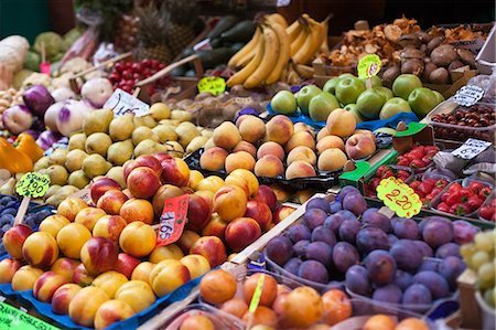supermarket not people - farmer's market in Italy Stock Photo - Premium Royalty-Free, Code: 618-06538457