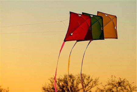 kites on evening sky Stock Photo - Premium Royalty-Free, Code: 618-06538584