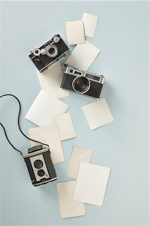 Blank photographs and cameras Photographie de stock - Premium Libres de Droits, Code: 618-07458103